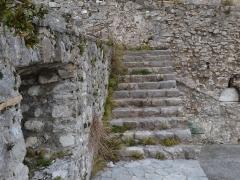 Foto particolare delle murature durante le fasi di lavoro intorno al piazzale in pietra di Paestum. (7)